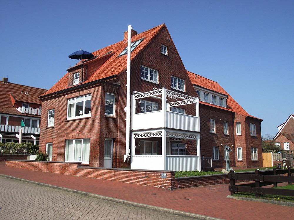 Dachgeschoss apartment im damenpfad haus wittd n for Hotels insel juist nordsee